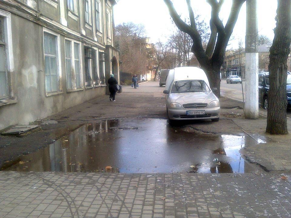 """""""Пруды"""" на одесских тротуарах предлагают подсветить, как в парке Победы, - ФОТО, фото-1"""