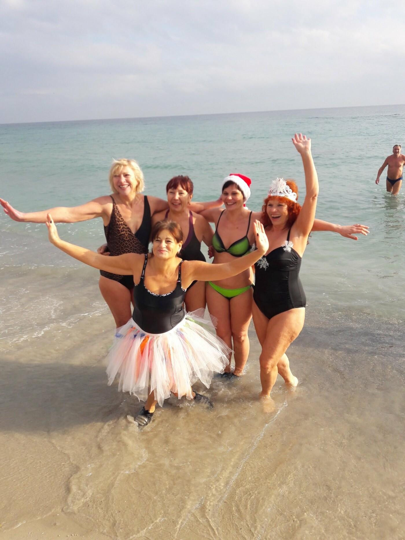 Одесситы отметили Рождество купанием в море, - ФОТО, фото-4