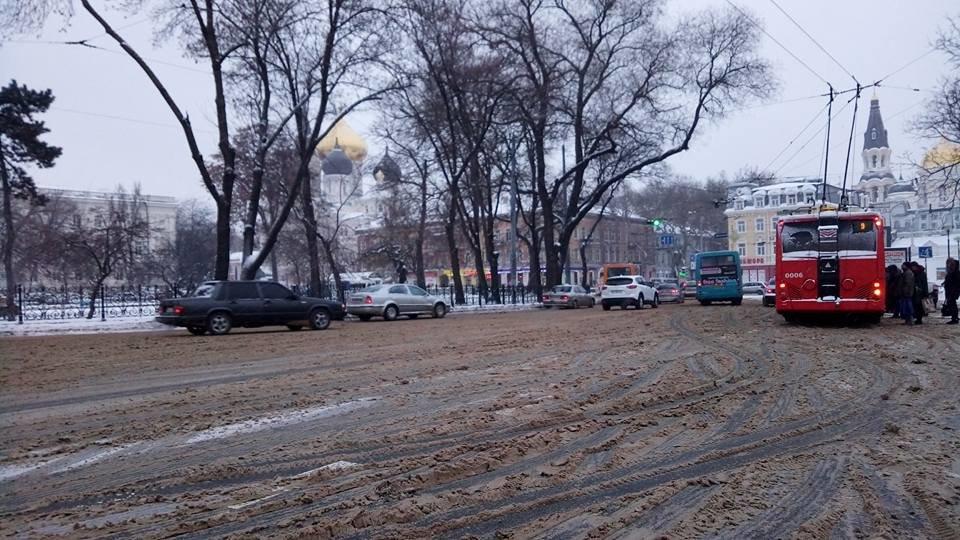 На одесские дороги вышла снегоуборочная техника, - ФОТО, фото-2, Фото: Иван Бошку