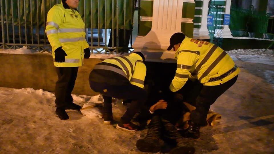 На Рождество в Одессе возле церкви едва до смерти не замерз бездомный, - ФОТО, фото-2