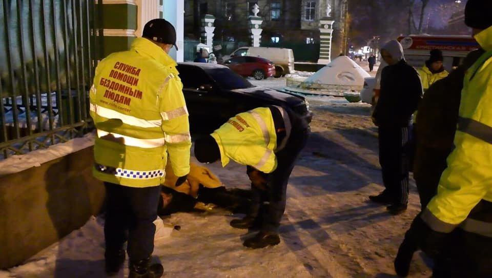 На Рождество в Одессе возле церкви едва до смерти не замерз бездомный, - ФОТО, фото-3