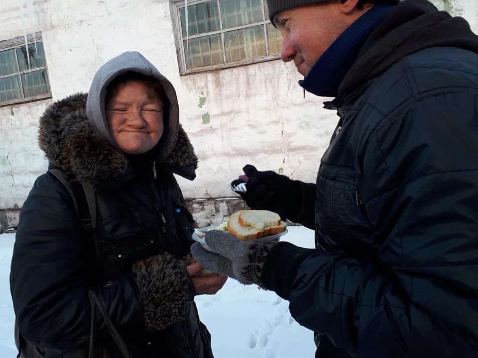 Чай, еда и песни под гитару: в Одессе установили пункт обогрева, - ФОТО, фото-3, Фото: Федор Герасимов