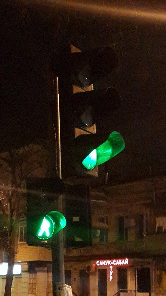 "В Одессе три дня чинили светофор в центре города, - ФОТО, фото-1, Фото: КП ""СМЭП"""