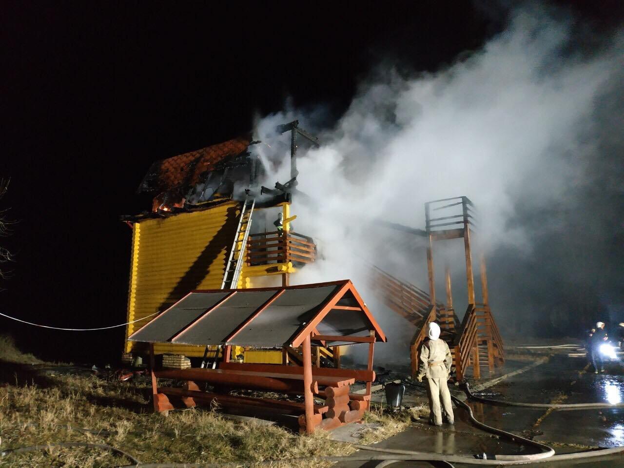 База отдыха горела ночью в Одесской области: причина уже известна, - ФОТО, фото-2