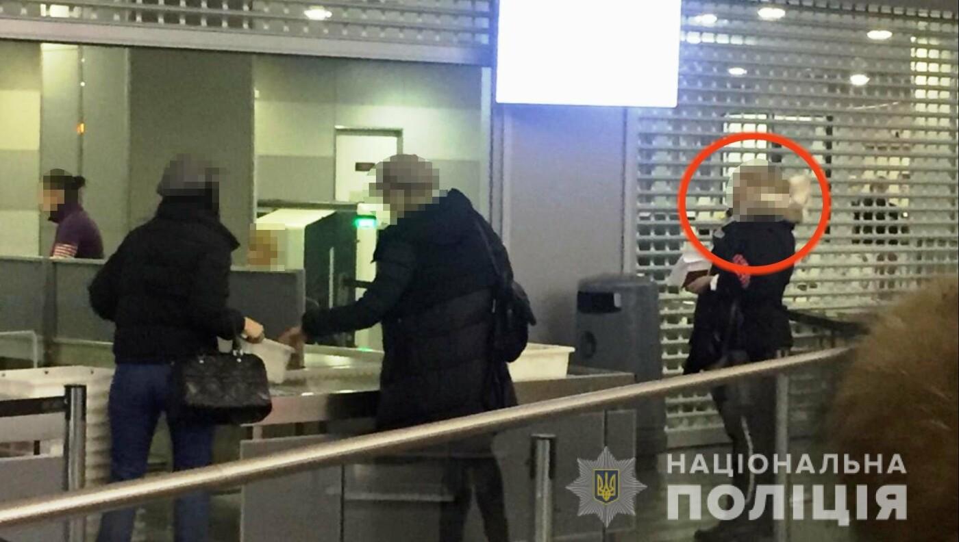 """Одесская полиция задержала вербовщицу девушек в бизнес """"с клубничкой"""", - ФОТО, ВИДЕО, фото-2"""