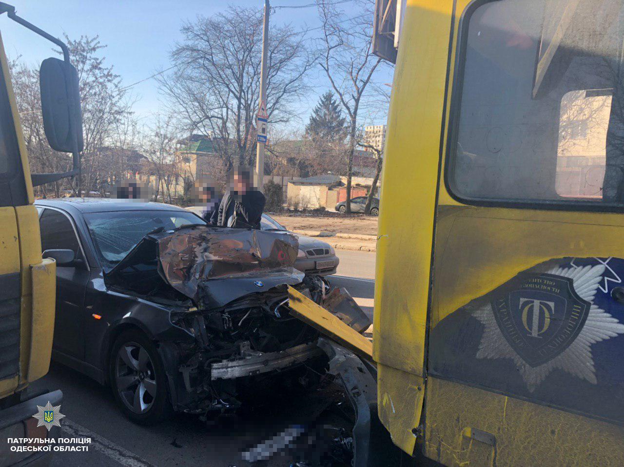 В Одессе произошло ДТП с участием маршрутки, есть пострадавшие, - ФОТО, фото-3, Фото: Патрульная полиция
