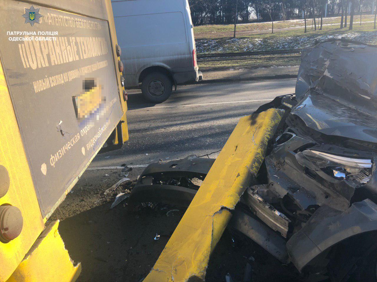В Одессе произошло ДТП с участием маршрутки, есть пострадавшие, - ФОТО, фото-1, Фото: Патрульная полиция