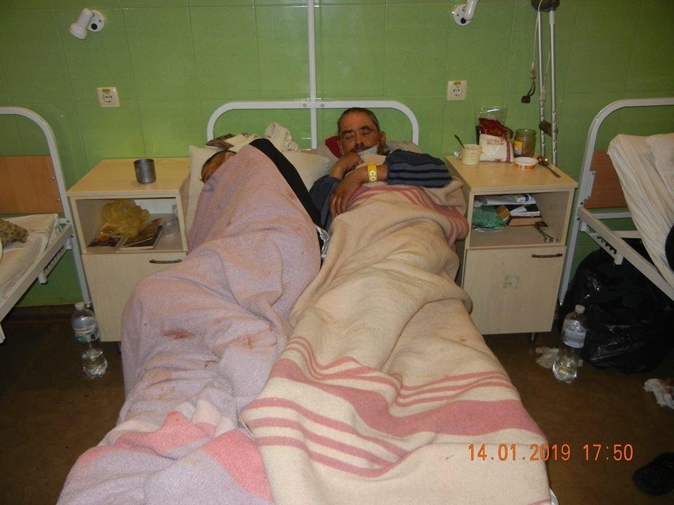 В одесской больнице бездомные лежат по двое в койке или под кроватями, - ФОТО, фото-3