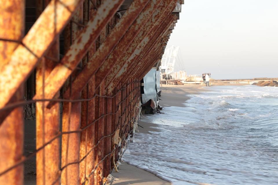 Работники ночного клуба утверждают, что лишить одесситов пляжа разрешила мэрия, - ФОТО, фото-1, Фото: Владислав Балинский