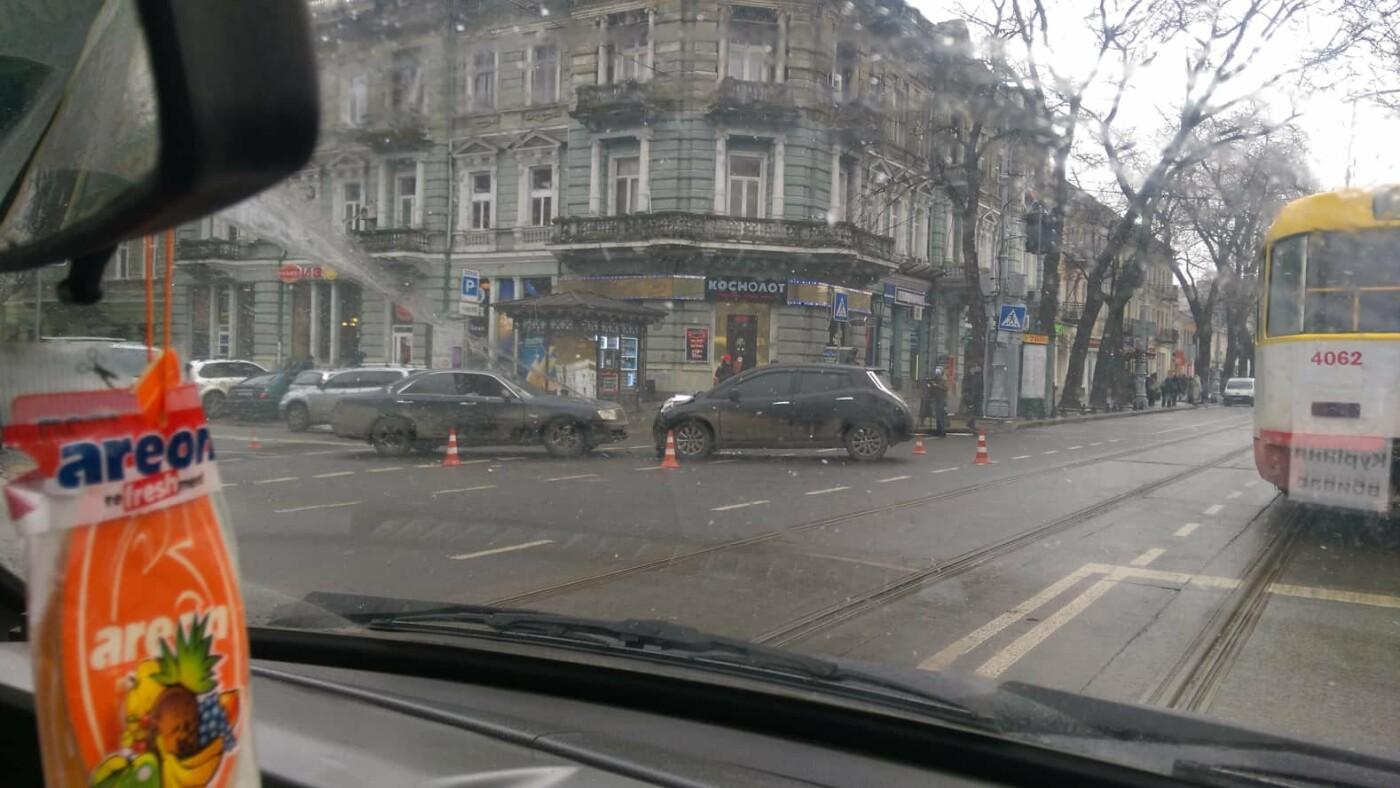 В полиции сообщили подробности утреннего ДТП в Одессе с пострадавшими, - ФОТО, фото-2, Фото: Патрульная полиция