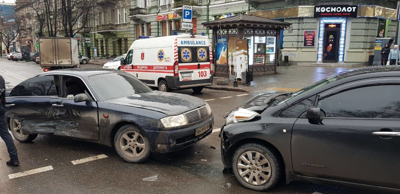 В полиции сообщили подробности утреннего ДТП в Одессе с пострадавшими, - ФОТО, фото-1