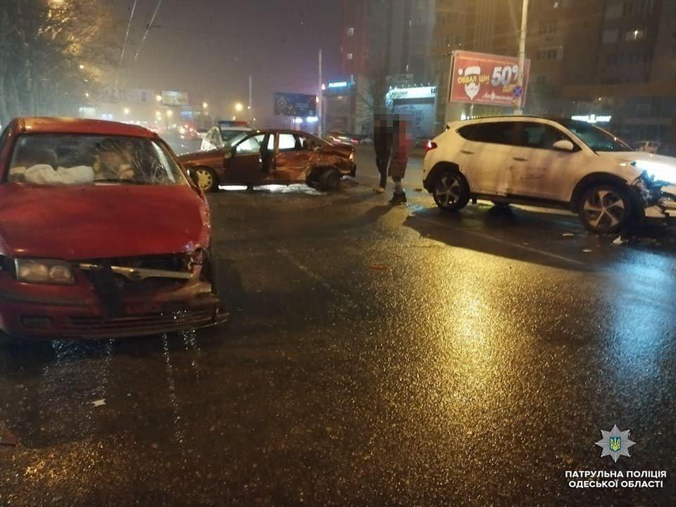 Дороги, как стекло: вчера в Одессе произошло более 80 ДТП, есть пострадавшие , фото-3