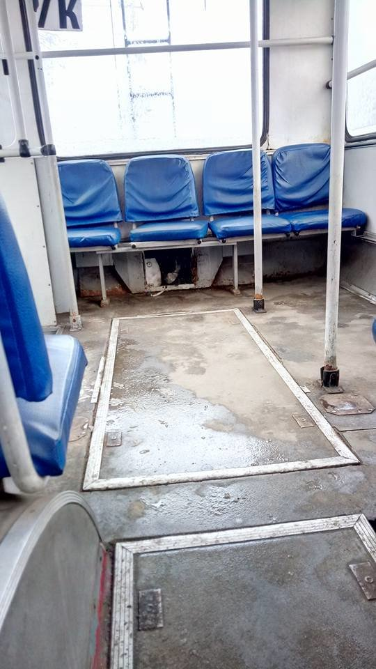 В одесском троллейбусе через дырку в полу можно рассмотреть колесо, - ФОТО, ВИДЕО, фото-1, Фото: Иван Бошку