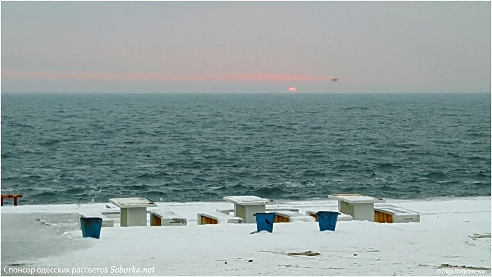 Утром над морем в Одессе взошло малиновое солнце, - ФОТО, фото-1, Фото: Ольга Богданова
