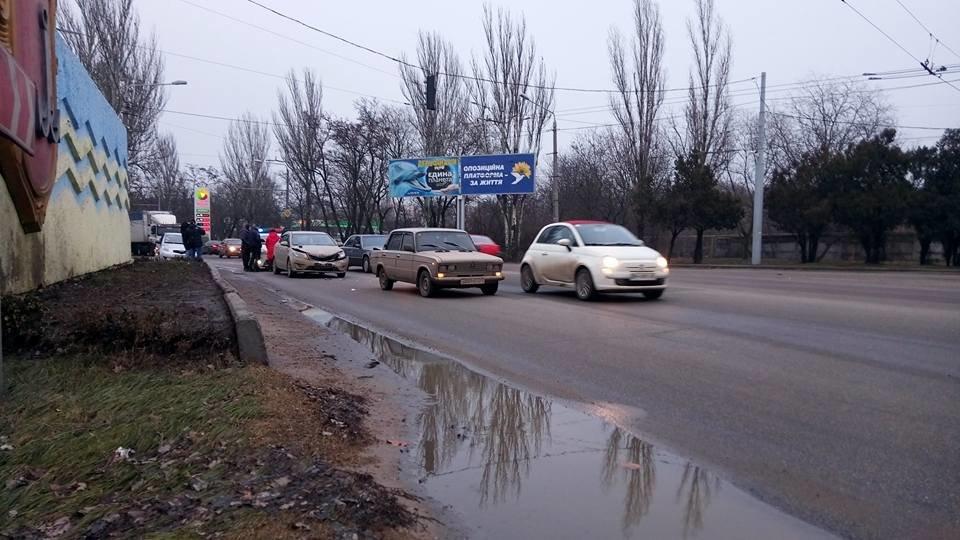 Возле одесского аэропорта столкнулись две легковушки, - ФОТО, фото-2, Фото: Иван Бошку