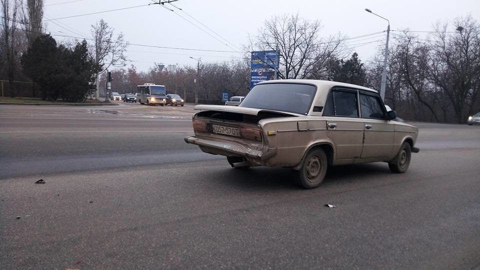 Возле одесского аэропорта столкнулись две легковушки, - ФОТО, фото-1, Фото: Иван Бошку