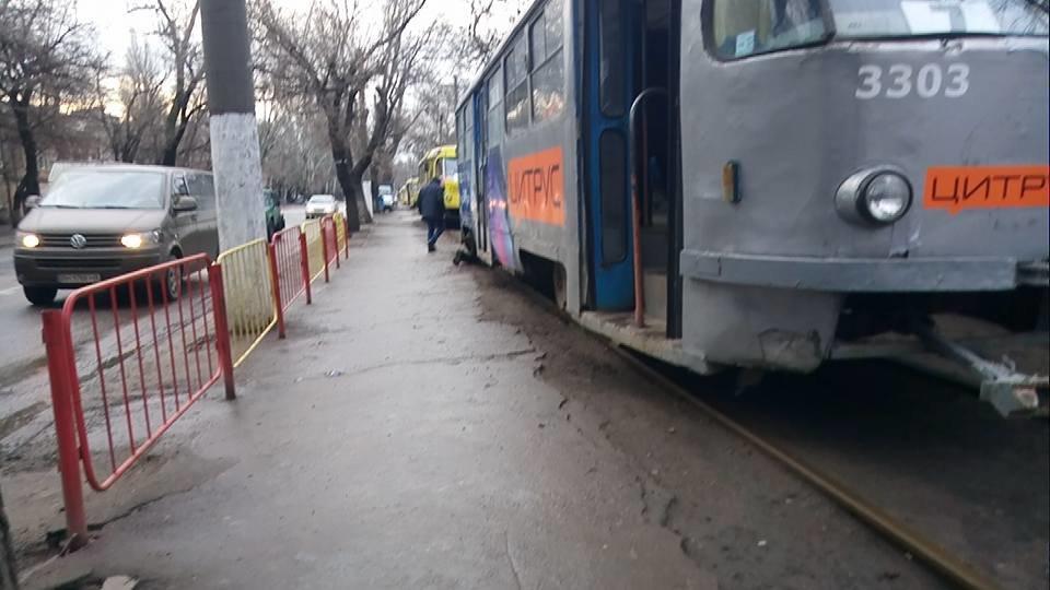 Утром в Одессе поломался трамвай, - ФОТО, фото-1, Фото: Иван Бошку