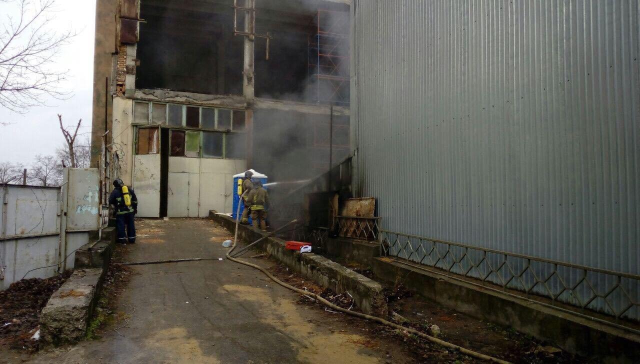В Одессе горел завод полимерных изделий, - ФОТО, фото-2, Фото: ГСЧС
