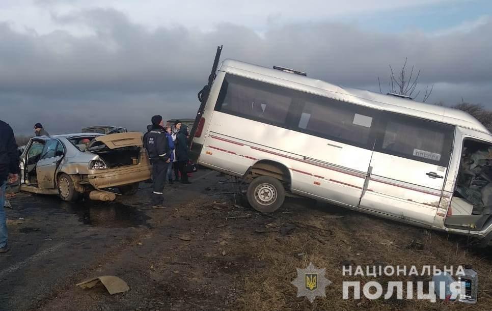 ДТП на одесской трассе: количество пострадавших возросло до 13, есть погибший - ФОТО, фото-2