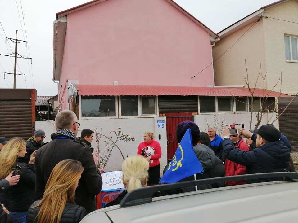 "Одесские активисты построили ""Догтаун"" у дома депутатши, - ФОТО, ВИДЕО, фото-1, Фото: Катерина Маденс"