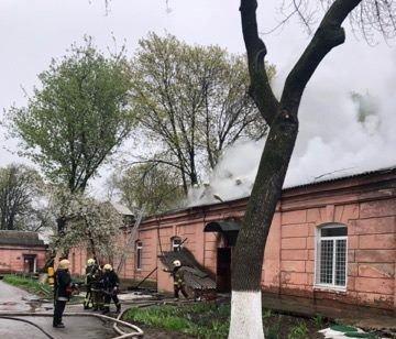 В Одессе горит больница: эвакуировано 60 человек, - ФОТО, фото-4, Фото: ГСЧС