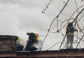В Одессе горит больница: эвакуировано 60 человек, - ФОТО, фото-2, Фото: ГСЧС
