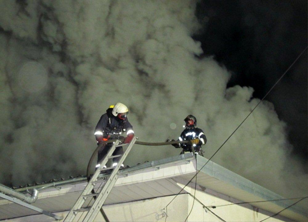 Ночью в Одессе прогремели взрывы: ЧС ликвидировали более 50 спасателей, - ФОТО, ВИДЕО, фото-3, Фото: ГСЧС
