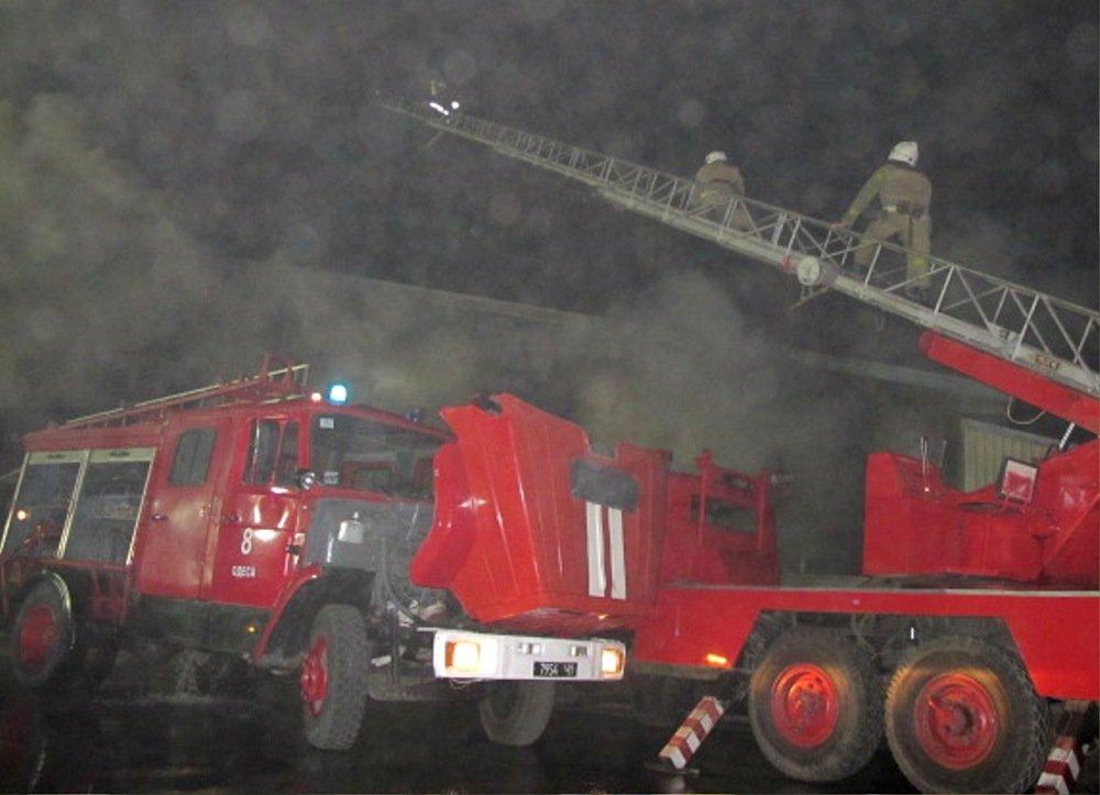 Ночью в Одессе прогремели взрывы: ЧС ликвидировали более 50 спасателей, - ФОТО, ВИДЕО, фото-5, Фото: ГСЧС