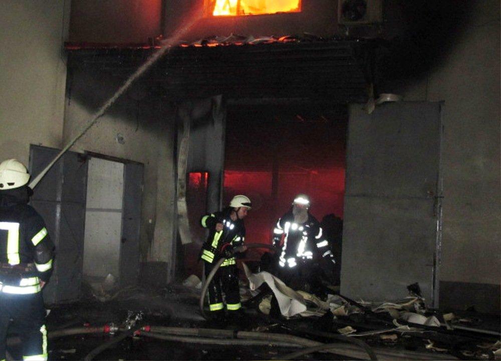 Ночью в Одессе прогремели взрывы: ЧС ликвидировали более 50 спасателей, - ФОТО, ВИДЕО, фото-4, Фото: ГСЧС