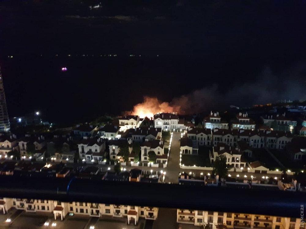 В одесской Аркадии вечером горели склоны, - ФОТОФАКТ, фото-1