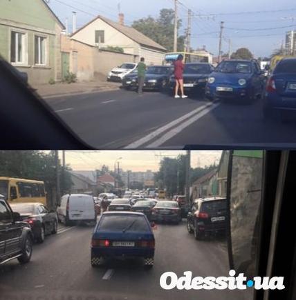 Столкновение трех автомобилей в Одессе утром привело к пробке, - ФОТО, фото-1