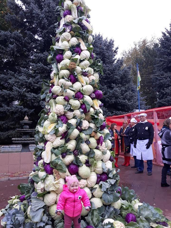 6-метровое дерево из капусты появилось в Одесской области, - ФОТО, фото-2, Евгения Генова, Facebook
