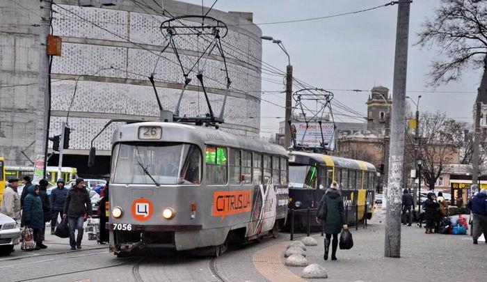 Реклама на городском электротранспорте