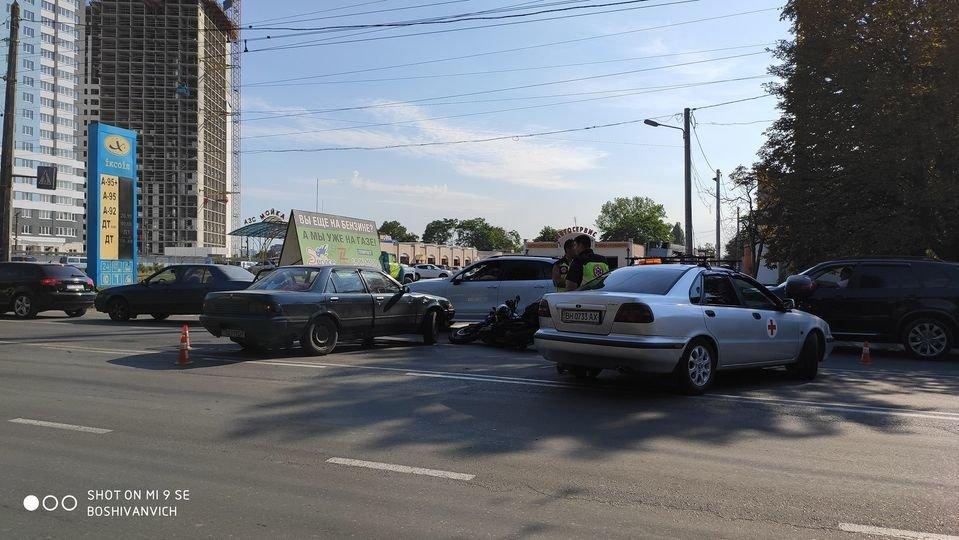 В Одессе мотоцикл столкнулся с легковушкой, - ФОТО3