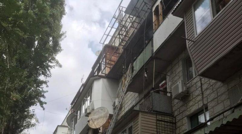 В Одесской области из-за сварочных работ загорелся балкон многоквартирного дома, - ФОТО1