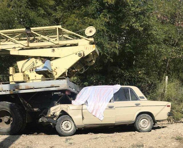 Под Одессой в ДТП погиб мужчина: он потерял сознание и врезался в автокран, - ФОТО1