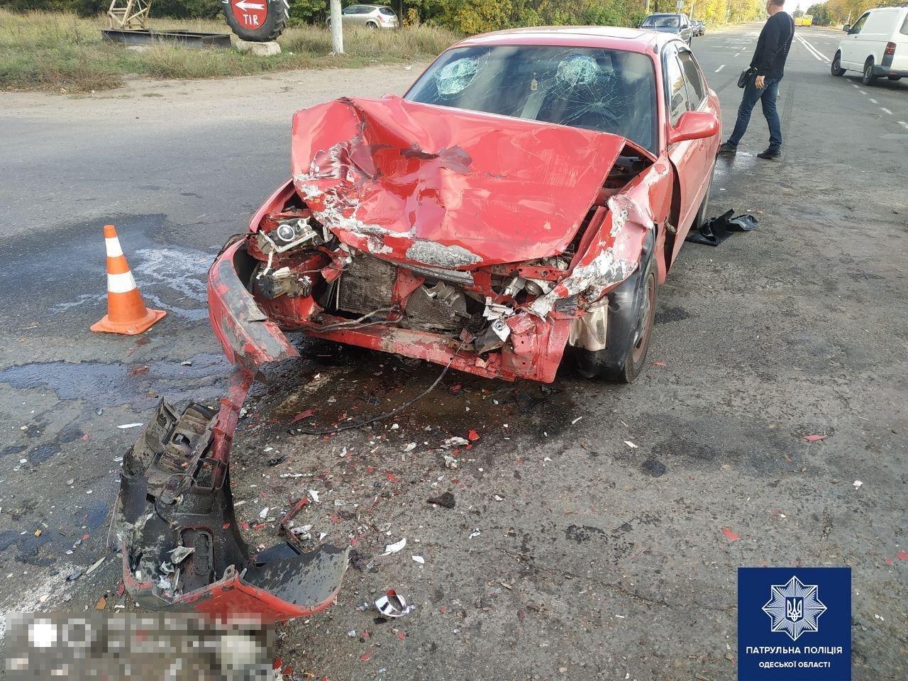 Под Одессой столкнулись Mazda и Жигули, есть пострадавшие, - ФОТО2