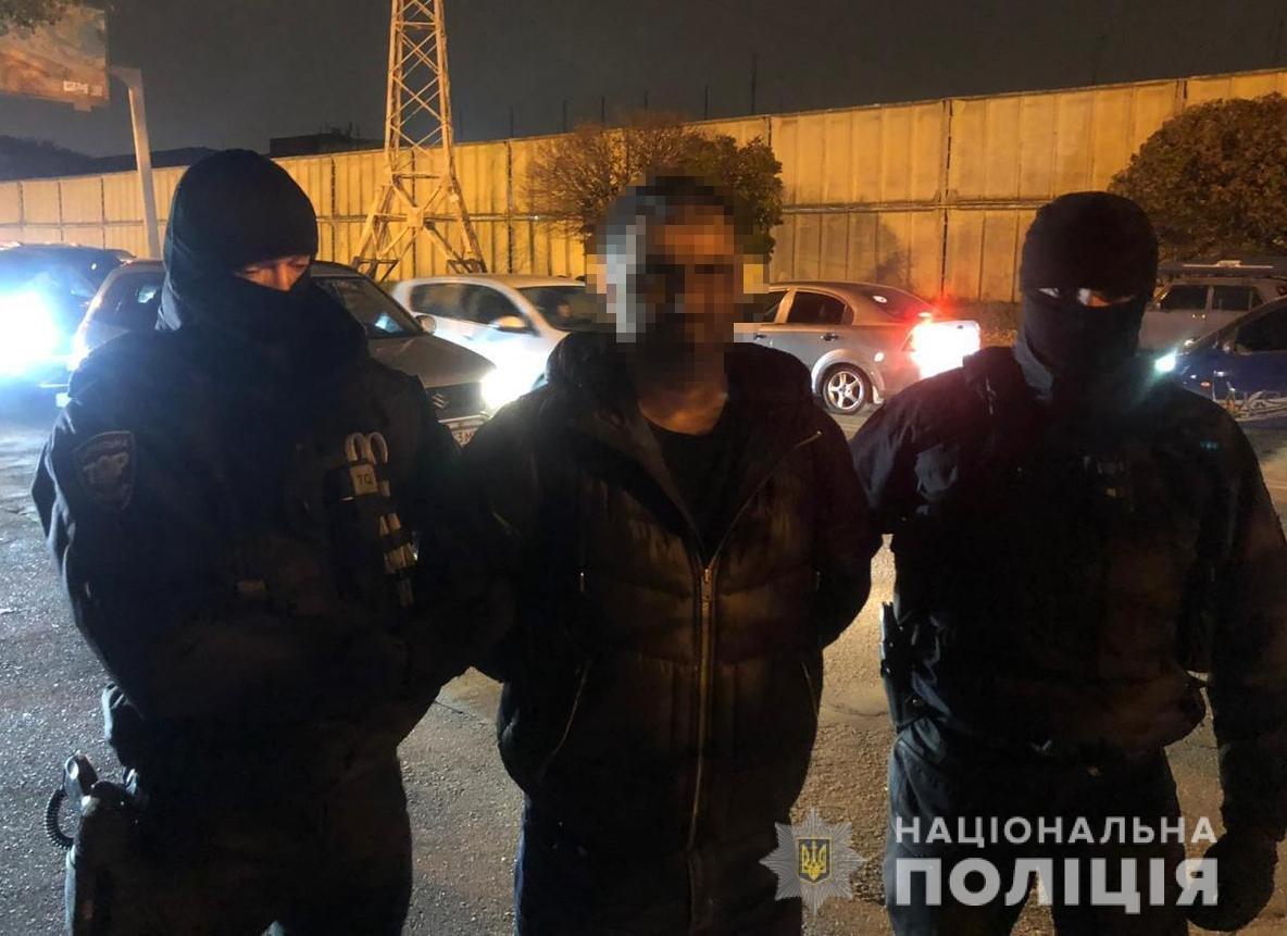 Гражданин РФ вымогал 12 тысяч долларов несуществующего долга у одессита, - ФОТО, фото-2