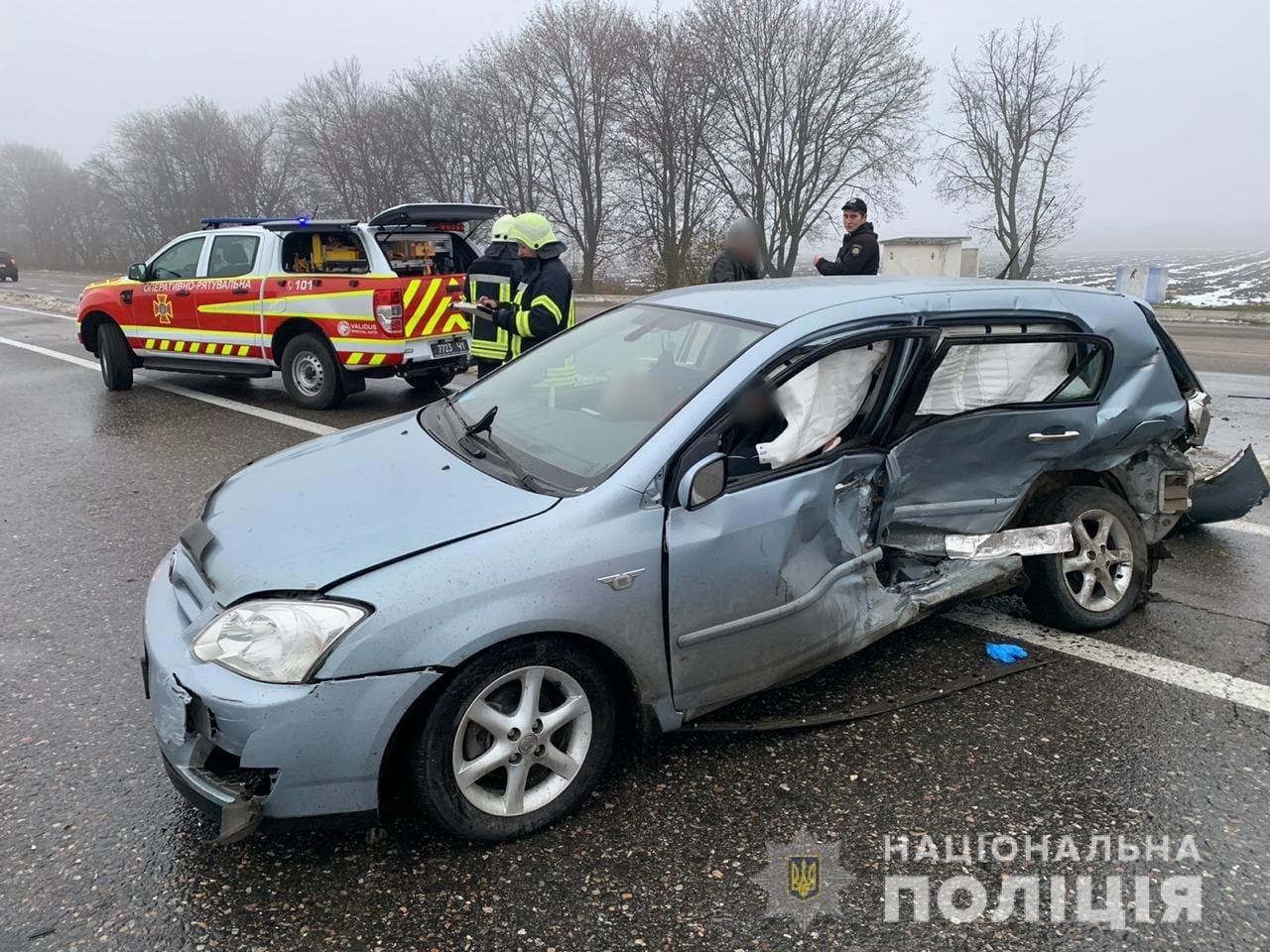 ДТП на трассе Одесса-Киев: водитель и пассажирка погибли на месте, - ФОТО, фото-2