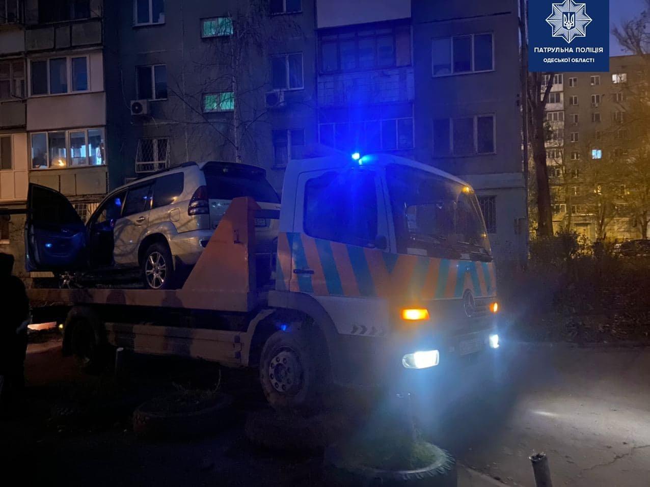 В Одессе нетрезвый водитель устроил погоню: его остановил подъезд дома, - ФОТО, ВИДЕО , фото-3