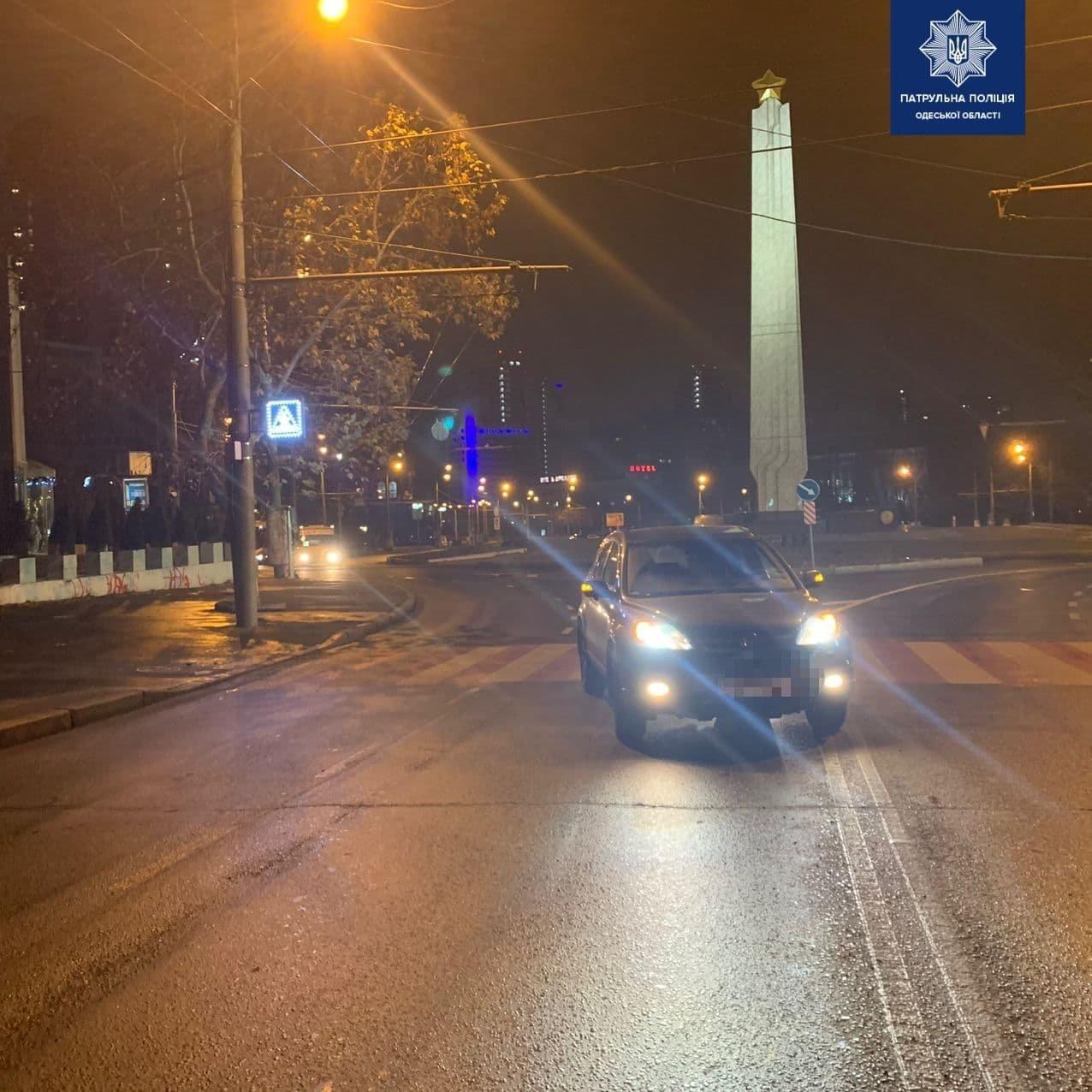 На проспекте Шевченко в Одессе автомобиль сбил женщину, - ФОТО, фото-2
