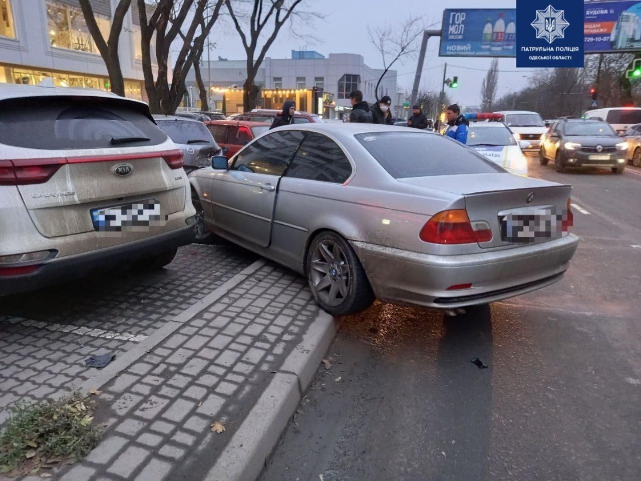 В Одессе автоледи на BMW разбила четыре машины, - ФОТО, ВИДЕО , фото-2