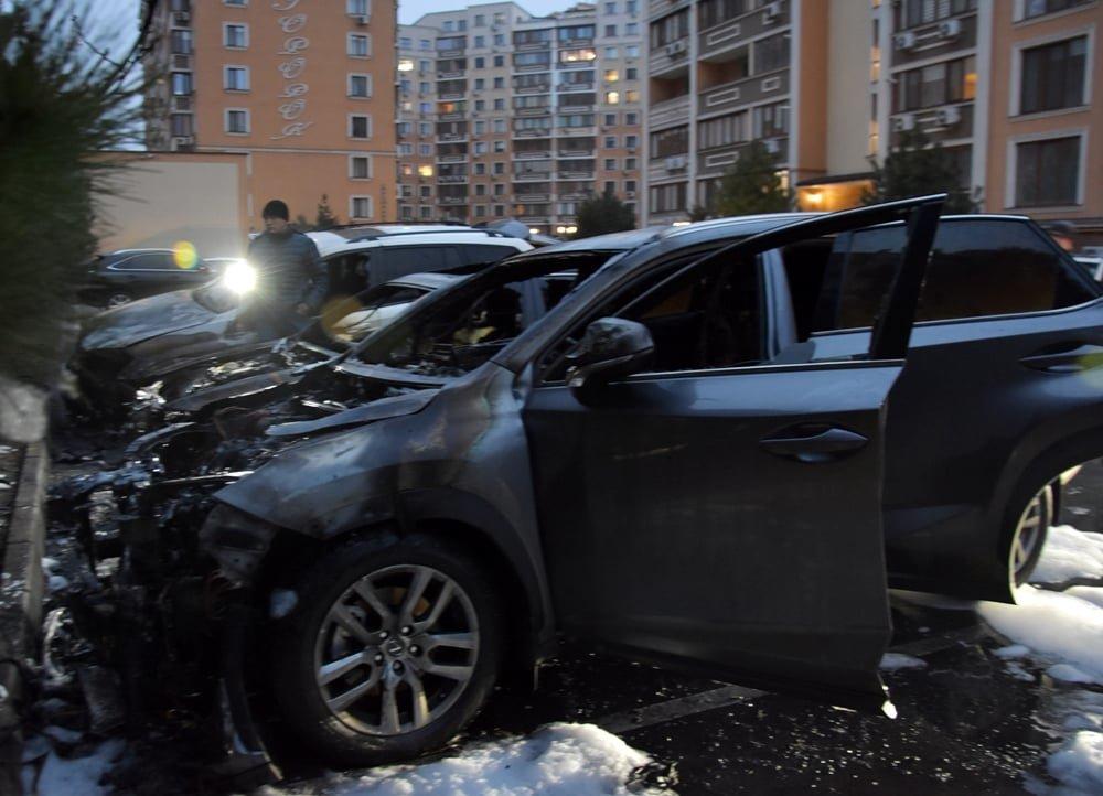 В Одессе в Приморском районе горели автомобили, - ФОТО, фото-1