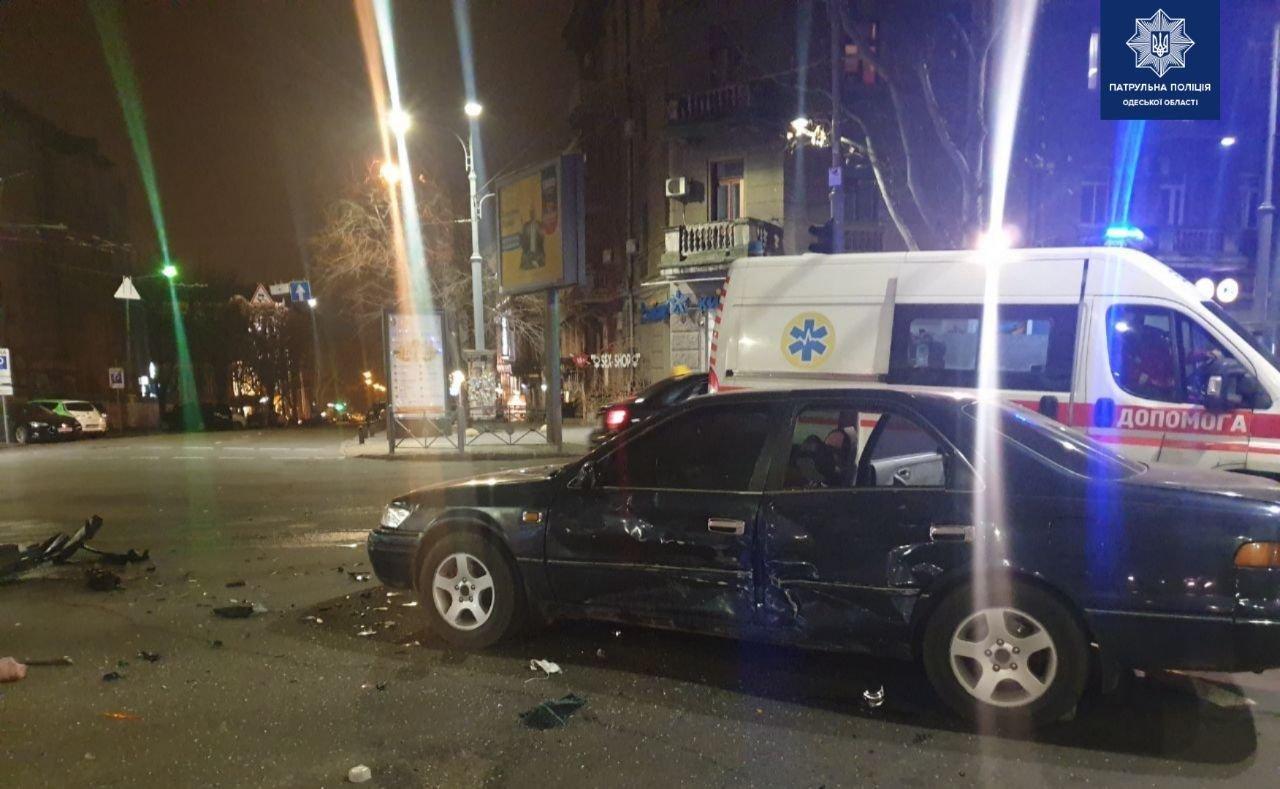 В Одессе ночью произошло  ДТП: водитель был пьян, - ФОТО, фото-1