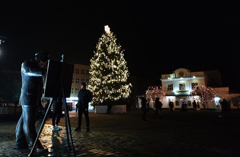 Новогодняя елка в Ужгороде., ФОТО: Travels in ua