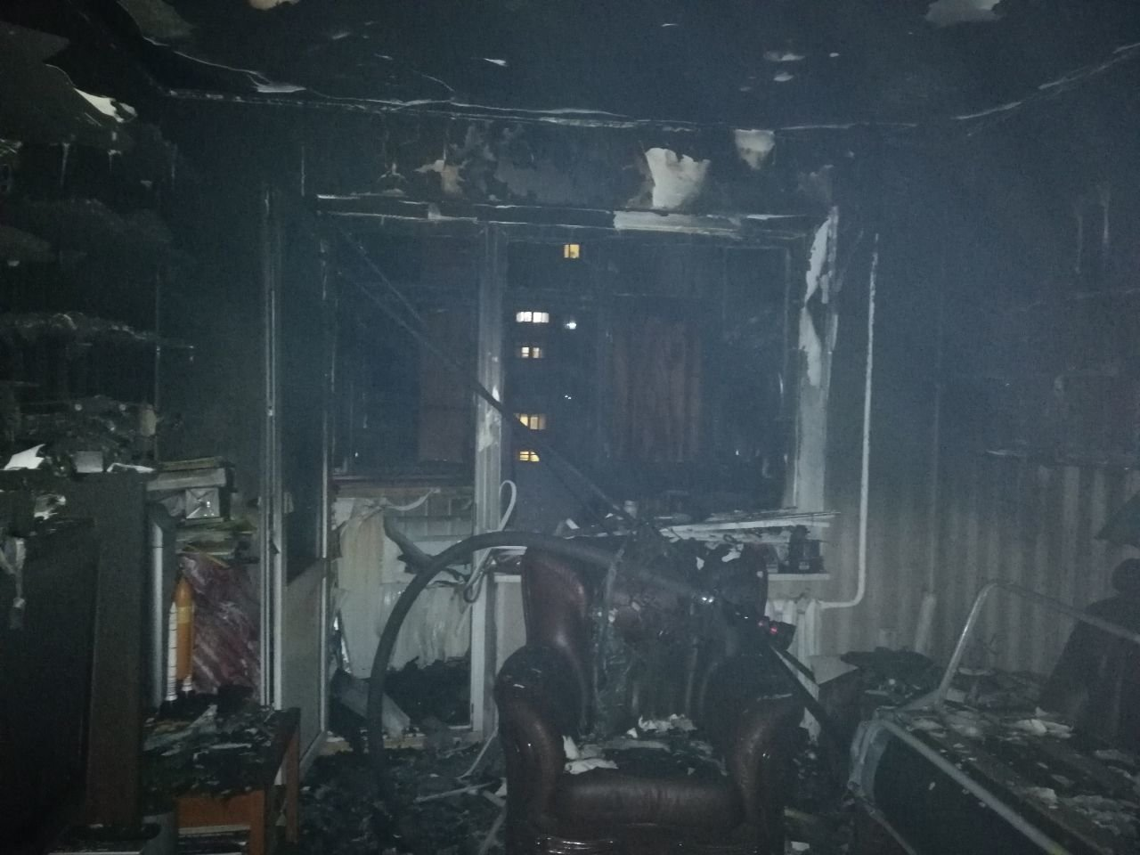 В новогоднюю ночь в Одессе горела квартира и эвакуировали людей, - ФОТО, фото-1