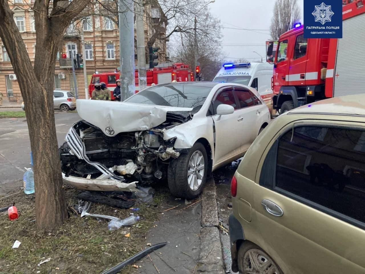 Серьёзное ДТП в Одессе: пострадал ребёнок и один из водителей, - ФОТО, фото-2