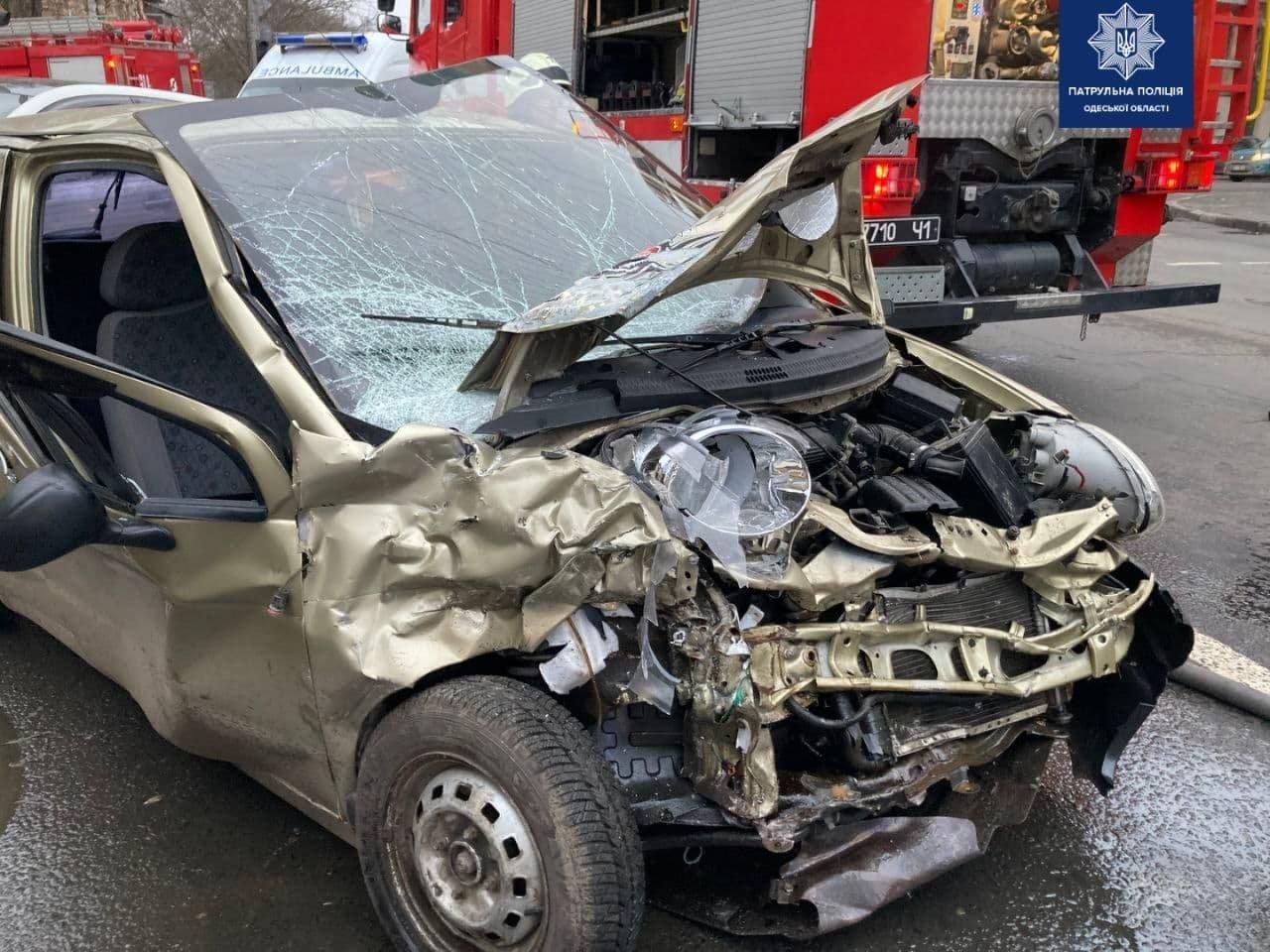 Серьёзное ДТП в Одессе: пострадал ребёнок и один из водителей, - ФОТО, фото-3