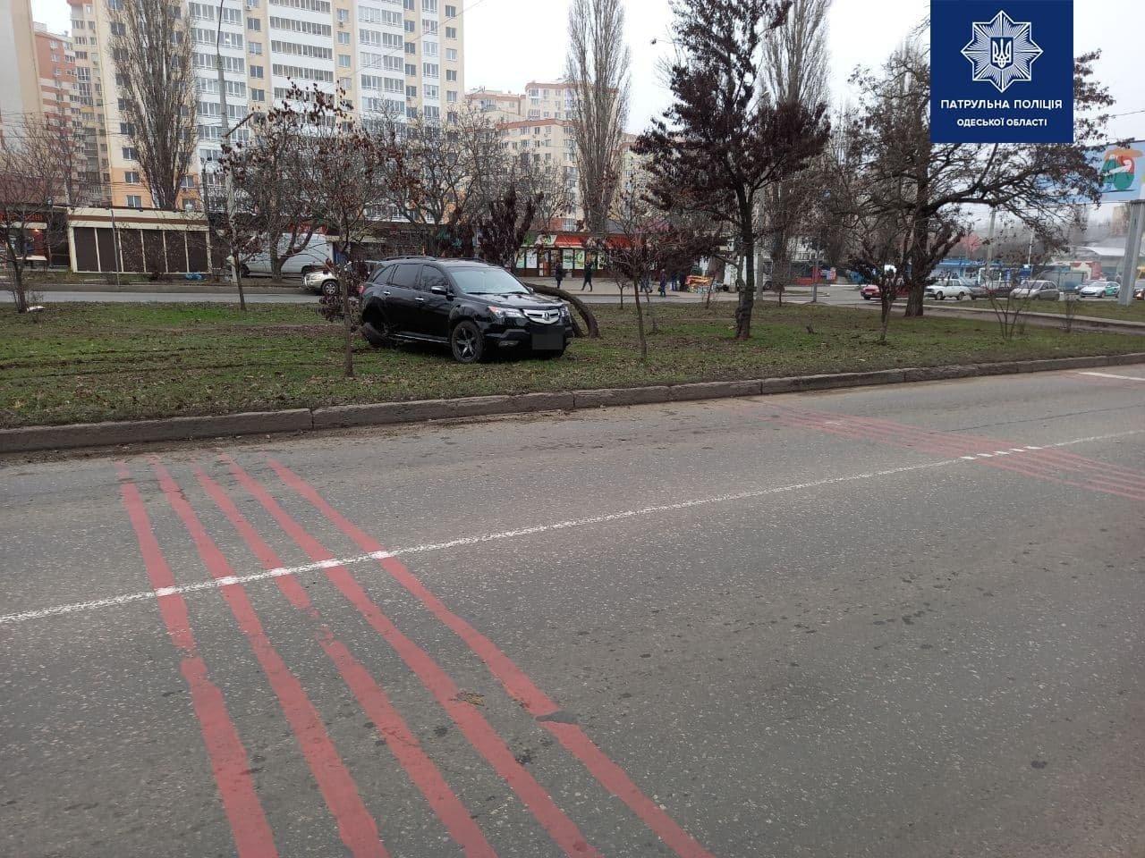 ДТП на Таирова в Одессе: после столкновения один из автомоб..., фото-33