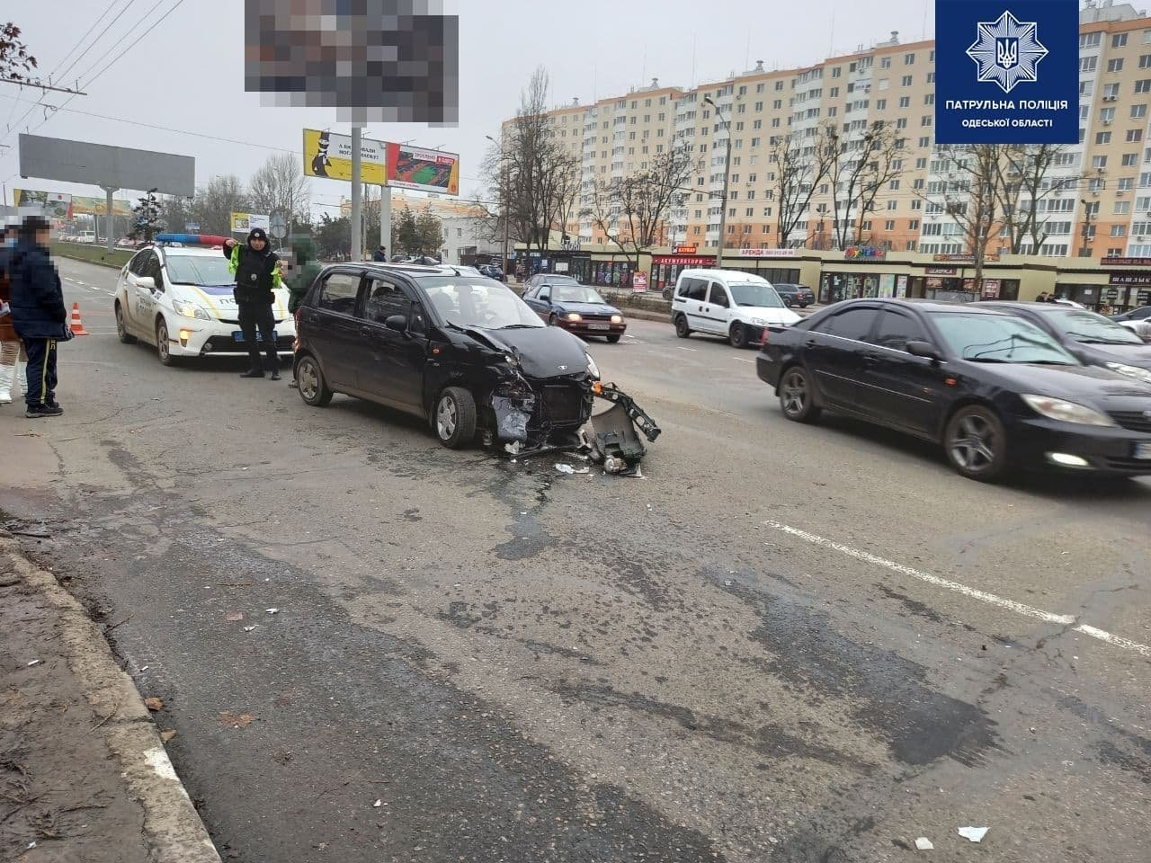 ДТП на Таирова в Одессе: после столкновения один из автомоб..., фото-11